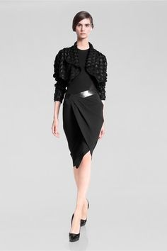 See the complete Donna Karan Pre-Fall 2013 collection.