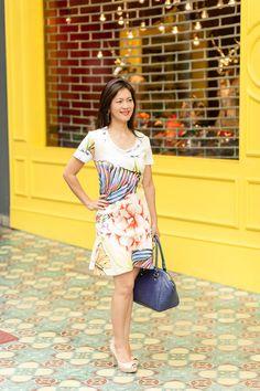 #modanotrabalho#fashionatwork# Vestidinhos com estampa da flora e fauna alegram o look nesse verão.