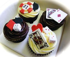 Poker and roulette themed cupcakes by Curly Sue Cakes, via Flickr