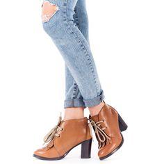 botines marrones de mujer de piel con tacn de 3 cm cierre con cordones y