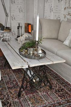 Une vieille machine à coudre réutilisée pour une belle table basse, très classe !