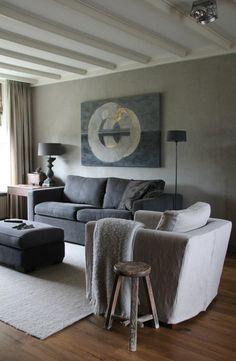 warme kleur vloer in combinatie met wolwit en grijstint