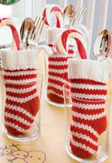 Christmas Table SettingIdea--mini stockings!! | #christmas #xmas #holiday #decorating #decor