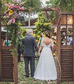 Lugar lindo!!! Casamento da Isabella e Érico ,nesse lugar incrível, Sitio Meio do Mato! Foto @lauracpcs
