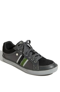 I don't know what it is about Original Penguin shoes, but all of their shoes I've seen so far have appealed to me.