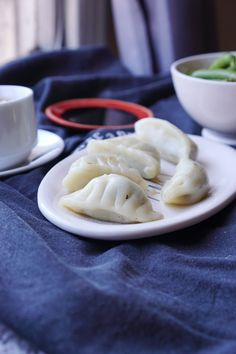 How to Make Gluten Free Dumpling Wrappers – Kimi Eats Gluten Free - therezepte sites Gluten Free Dumpling Wrappers, Gluten Free Dumplings, Flour Dumplings, Gluten Free Rice, Gluten Free Flour, Dairy Free, Gluten Free Appetizers, Appetizer Recipes, Drink Recipes