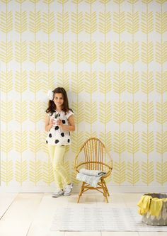 wallpaper Feather: Discover here the SWEET! wallpaper collection of Roomblush