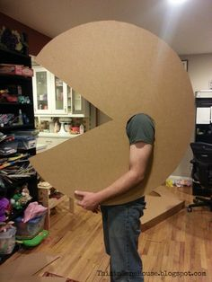 This inSane House: Preview of My Homemade Pac Man Costume Creative Costumes, Diy Costumes, Halloween Costumes For Kids, Halloween Themes, Vintage Halloween, Costume Ideas, Halloween Stuff, Children Costumes, Vintage Witch