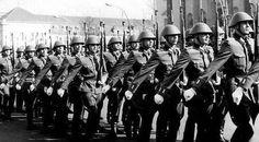 設立当初の東ドイツ軍はあり余っていたドイツ国防軍の軍服を着用した  #NVA