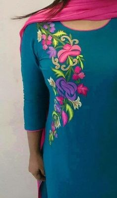 Salwar suit :) Beautiful embroidery patern visit us at… Embroidery On Kurtis, Hand Embroidery Dress, Kurti Embroidery Design, Machine Embroidery Designs, Designer Kurtis, Kurti Patterns, Dress Patterns, Salwar Designs, Blouse Designs