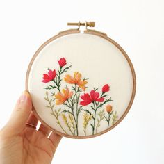 Flower Embroidery Hoop Art with wild blossom . Wall Decor- Flower Embroidery Hoop Art with wild blossom . Wall Decor Flower Embroidery Hoop Art with wild blossom . Embroidery Stitches Tutorial, Embroidery Flowers Pattern, Simple Embroidery, Silk Ribbon Embroidery, Embroidery Hoop Art, Hand Embroidery Designs, Embroidery Ideas, Knitting Stitches, Embroidered Flowers