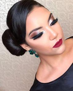 P-A-R-A TUDO! Detalhes da makeup de hoje! Como não amar?! ❤️❤️Informações sobre cursos profissionais e agendamentos:  (34) 98400-0570!#menegattomakeup #maquiagem #universodamaquiagem_oficial #universomakeup #auroramakeup #supervaidosa #makeupvideoss #hudabeauty #vegas_nay #brian_champagne #vegas_nay #universomakeup_oficial #mac #motivescosmetics #maquiagem #maquiagembrasill  #universomakeup #selfie #model #top #make #makeup @universodamaquiagembrasil @maquiagembrasill