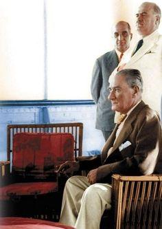 Mustafa Kemal Atatürk (Renkli)