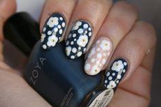 Marc Jacobs Daisy-inspired nail art via the-glossy.com