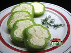 ardei_umpluti_cu_branza_0 Zucchini, Goodies, Vegetables, Ethnic Recipes, Food, Sweet Like Candy, Veggies, Vegetable Recipes, Meals