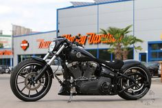 custom harley breakout | Harley-Davidson Softail Breakout – Thunderbike Umbau