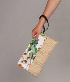 Bolso tropical bolso de mano bolso jute bolso flores bolso | Etsy Jute Bags, Leather Clutch Bags, Diy Clothing, Cloth Bags, Handicraft, Cosmetic Bag, Fashion Bags, Couture, Purses And Bags