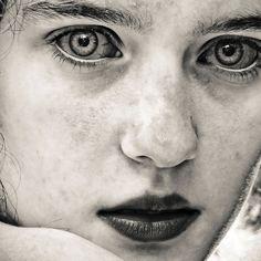 Portraits by David Terrazas. Slightly scary but beautiful.