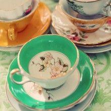 sweet home Wieso nicht romantische Teetassen sammeln? Halten Sie in Brockenhäusern, Antiquitätengeschäften und auf Flohmärkten Ausschau nach romantischen, verspielten, dekorativen alten Teetassen. Sie können sie ausstellen, Blumen einstellen oder als Dessertschälchen einsetzen.