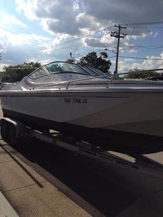 The 24' to 32' Cruisers of Luger Industries   boats   Boat