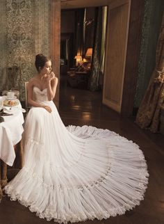 THIS is so incredibly beautiful. If I were picking a dress all over again, I think it would look something like this.