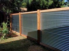 Astounding 56+ Cheap DIY Fence Ideas for Your Beautiful Garden https://decoredo.com/6804-56-cheap-diy-fence-ideas-for-your-beautiful-garden/