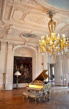 Gold Piano/ amazing home ~Grand Mansions, Castles, Dream Homes Luxury Homes ~Wealth and Luxury