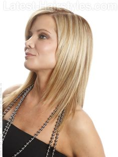 Having the ends of the hair textured gives the hair a modern, lighter and more airy feel.