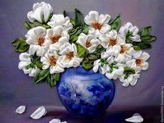 Букет в синей вазе - белый,вышивка,Вышитая картина,вышивка ручная,картина в подарок