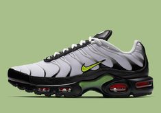 Best Sneakers, Air Max Sneakers, Sneakers Nike, Nike Shoes For Sale, Nike Shoes Cheap, Nike Tn, Kids Running Shoes, Black Lion, Stylish Mens Outfits
