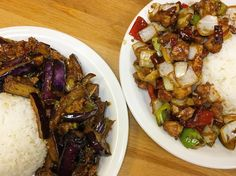 Love that the Daily Specials at Han's Restaurant include my favourite Kongpao Chicken and Eggplant with minced pork & spicy sauce. Each plate is under $10 and comes with rice. Great value for a weekend lunch. #delish #yyceats #yycfood #yycsbest . . . #chinesefood #szechuanfood #chinatown #spicefix #spicygoodness #instafood #instagood #food52 #foodpics #foodstagram #foodgram #f52grams #thefeedfeed #hiddengem #latergram