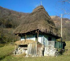 Să vii o dată-n an acasă, cu cei ce sunt, să stai la masă Cultural Architecture, Vernacular Architecture, Bucharest Romania, Winter Painting, Earthship, Landscape Pictures, Modern Landscaping, Little Houses, Traditional House