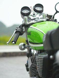 Long and Winding Road Kawasaki Cafe Racer, Kawasaki Motorcycles, Cool Motorcycles, Vintage Motorcycles, Retro Bikes, Vintage Bikes, Motorcycle Design, Motorcycle Bike, Scrambler