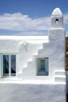 Greece/White Stucco Creates An Inspiring Vision 10 Mediterranean Architecture, Mediterranean Homes, Tuscan Homes, Adobe Haus, Lumiere Photo, Greek House, Interior Minimalista, Santorini, Mykonos