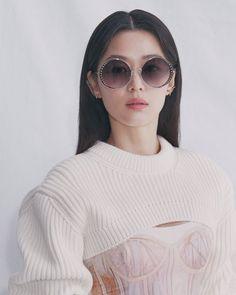 Cat Eye Sunglasses, Round Sunglasses, Hyun Kim, Korean Actresses, Korean Girl, Alexander Mcqueen, Vogue, Actors, Jun Ji Hyun Fashion
