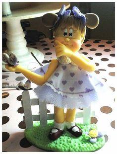 Bonequinha de porcelana fria