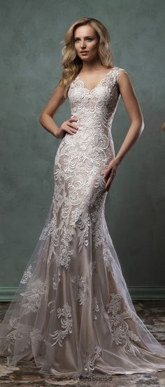 I like the fabric of this dres by Amelia Sposa 2016 - Belle The Magazine