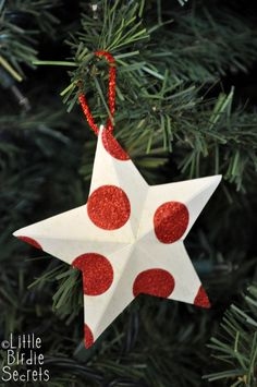 Little Birdie Secrets: 3D paper star ornaments