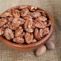 3 Ingredient Cinnamon-Sugar Toasted Pecans - Grits and Gouda Cinnamon Sugar Pecans, Sugared Pecans, Spiced Pecans, Roasted Pecans, Cocoa Cinnamon, Candied Nuts, Glazed Pecans, Pecan Recipes, Butter Recipe