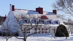Sainte Famille, Île d'Orléans. Cabin, House Styles, World, City, Outdoor, Home Decor, House, Winter, Outdoors