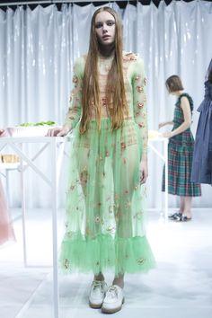 Molly Goddard Ready To Wear Spring Summer 2016 London - NOWFASHION