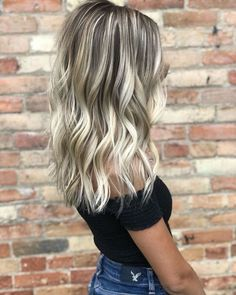 Blonde highlights/ blonde balayage/ icy blonde / rooty blonde/ blonde h Ombre Hair Color, Hair Color Balayage, Short Balayage, Babylights Blonde, Brunette With Blonde Balayage, Light Blonde Balayage, Haircolor, Blonde Hair With Roots, Ash Blonde Hair With Highlights