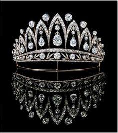 The Royal Order of Sartorial Splendor: Tiara Thursday: The Empress Joséphine Tiara