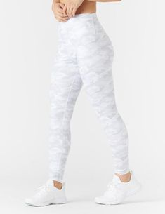 High Power Legging Print: White Camo - Online Only – Glyder White Leggings Outfit, Yoga Pants Outfit, Cute Leggings, Printed Leggings, Cute Legging Outfits, Outfit Ideas With Leggings, Cute Athletic Outfits, Yoga Leggings, Athletic Clothes