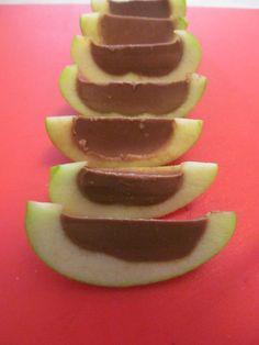Caramel Filled Apples a Farme / Anne Dann Dieting Paleo Apple Recipes, Primal Recipes, Fruit Recipes, Whole Food Recipes, Dessert Recipes, Gluten Free Treats, Paleo Treats, Caramel Filled Apples, Caramel Apple