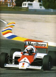 The McLaren held the world record for the fastest production car in the world for many years. Alain Prost, Sport Cars, Race Cars, Sand Rail, Motor Car, Motor Speed, Mclaren Mp4, F1 Drivers, F1 Racing