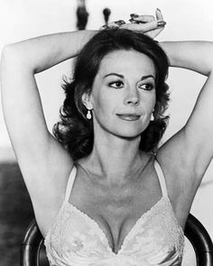 Natalie Wood - From Here to Eternity People Photo - 28 x 36 cm Natalie Wood, Classic Actresses, Beautiful Actresses, Hollywood Actresses, Vintage Hollywood, Classic Hollywood, Splendour In The Grass, Marylin Monroe, Shoulder Length Hair