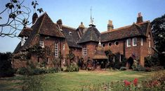 """pagewoman: """" Red House, Bexleyheath, London, England (built by Arts & Crafts designer William Morris between 1859-60) """""""