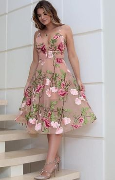This casual summer outfits look related to floral, dresses, maxi dress and Cute Dresses, Beautiful Dresses, Formal Dresses, Casual Summer Outfits, Stylish Outfits, Dress Outfits, Fashion Dresses, Evening Dresses, Summer Dresses