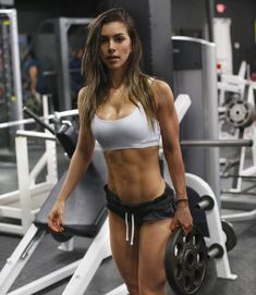 Fitness Model Diet: How To Eat To Get Ripped And Shredded - Generation Iron Fitness & Bodybuilding Network Fitness Model Diet, Fitness Models, Female Fitness, Fitness Sport, Fitness Women, You Fitness, Fitness Tips, Sport Food, Anllela Sagra